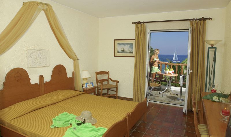 Тур был забронированный еще к конце января в отель dessole malia beach 4* (присоединилась к цепочке отелей от пегаса)