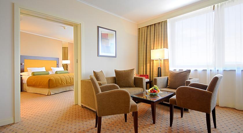 Hotel 3 3 прага