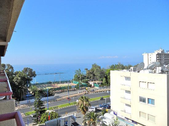 Фото 13. Лимассол, Кипр.