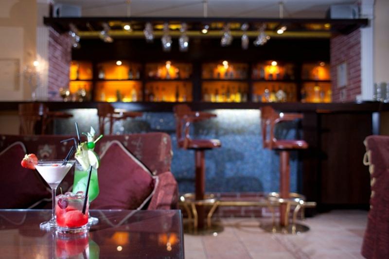 local authors in hotel restaurant management